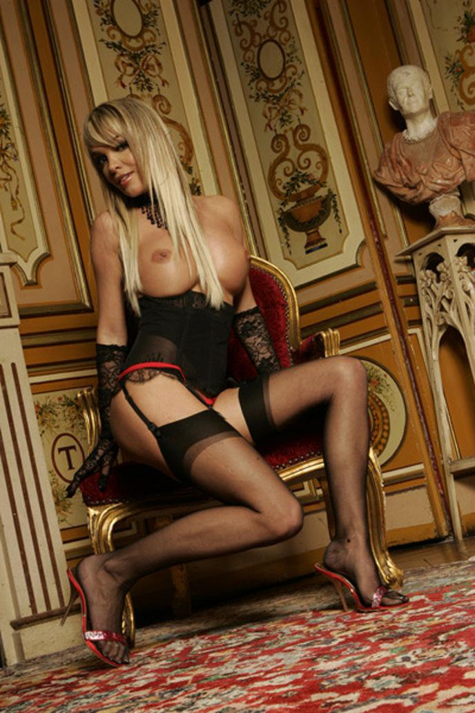 virginia-caprice-sexy-pictures-humor-and-sex-video