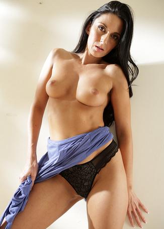 Nikki Daniels - Pornstars