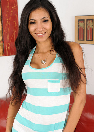 Sadie Santana - Pornstars